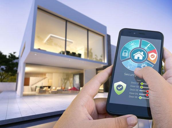 Come sorvegliare casa con lo smartphone a distanza, anche senza internet: scopri le funzionalità dell'antifurto smart dotato di videosorveglianza a distanza.